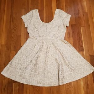 Fashion to Figure short sleeve dress white gold